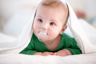 Зачем ребенку соска и как правильно отучить от нее малыша?