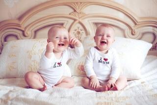 Как развивать речь у двойняшек