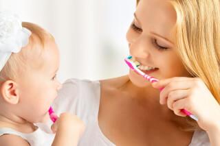 Гигиена для малыша: с какого возраста нужно чистить зубы ребенку